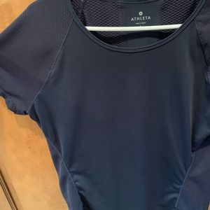 Athleta workout shirt